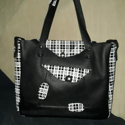sac besace urbain décalé stylé noir face